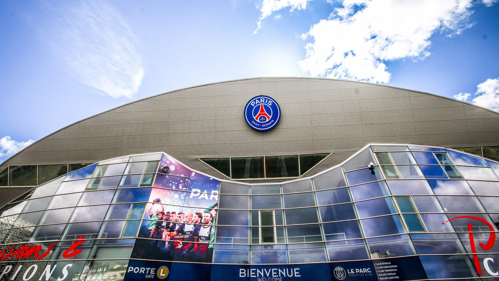 Parc des Princes Football stadium of Paris Saint-Germain FC.jpg